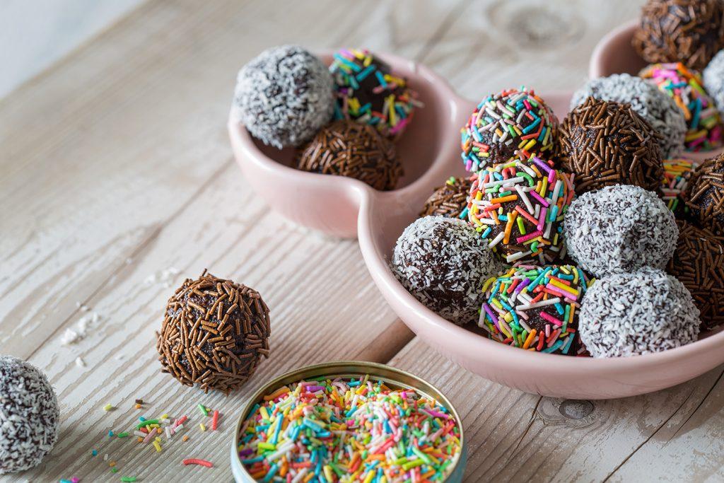כדורי שוקולד בציפוי סוכריות